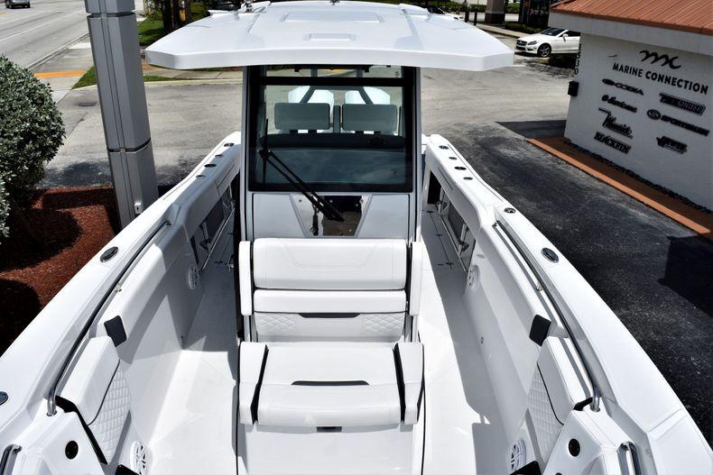 Thumbnail 5 for New 2021 Blackfin 272CC boat for sale in Vero Beach, FL