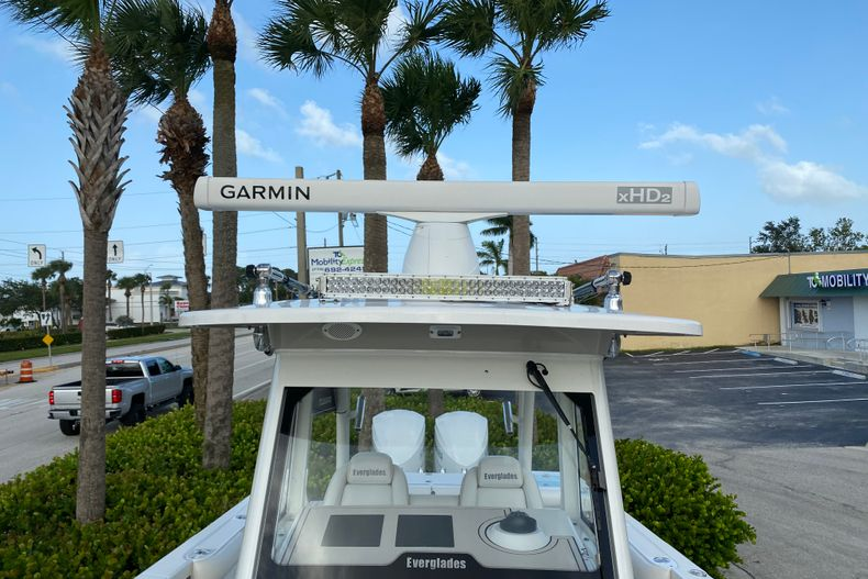 Thumbnail 22 for Used 2016 Everglades 325 CC Center Console boat for sale in Stuart, FL