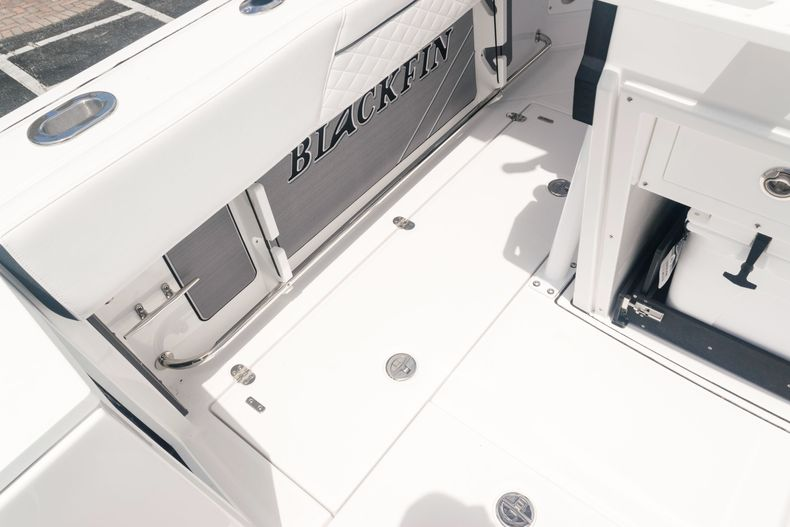 Thumbnail 21 for New 2021 Blackfin 272CC boat for sale in West Palm Beach, FL