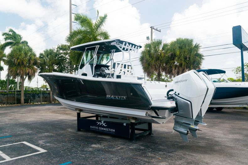 Thumbnail 5 for New 2021 Blackfin 272CC boat for sale in West Palm Beach, FL
