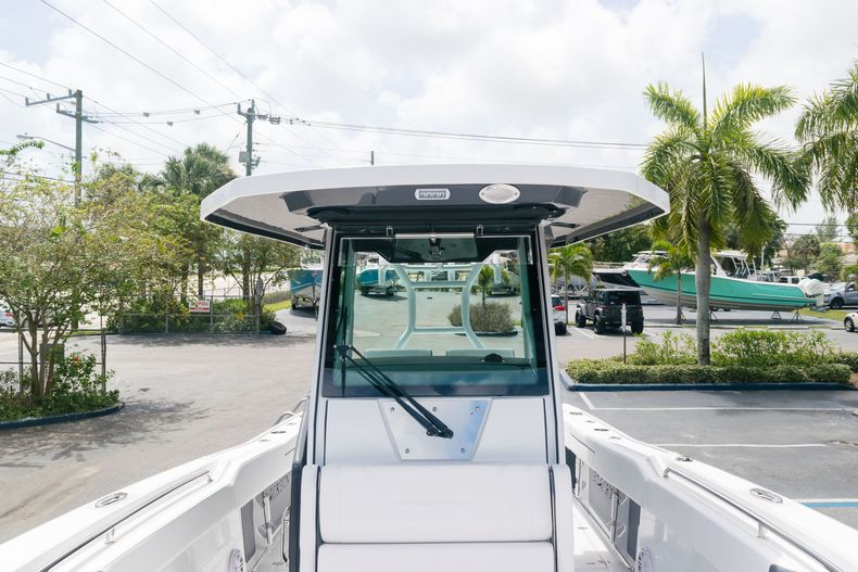 Thumbnail 58 for New 2021 Blackfin 272CC boat for sale in West Palm Beach, FL