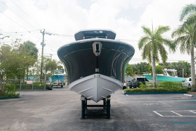 Thumbnail 2 for New 2021 Blackfin 272CC boat for sale in West Palm Beach, FL