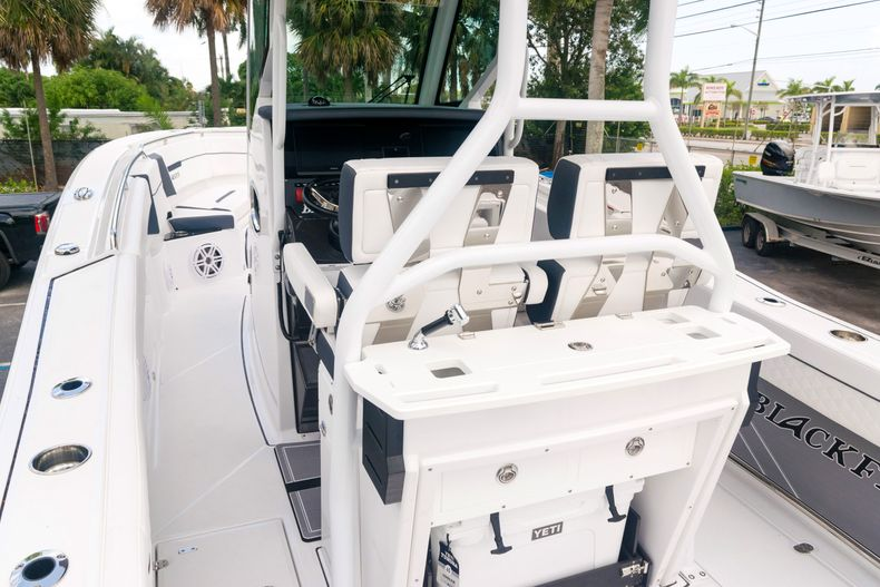 Thumbnail 64 for New 2021 Blackfin 272CC boat for sale in West Palm Beach, FL