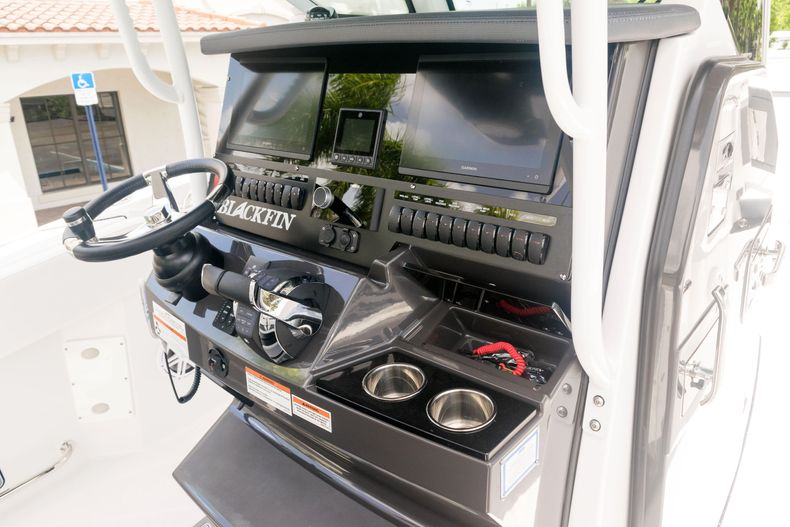 Thumbnail 30 for New 2021 Blackfin 272CC boat for sale in West Palm Beach, FL