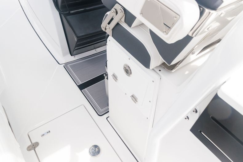 Thumbnail 23 for New 2021 Blackfin 272CC boat for sale in West Palm Beach, FL