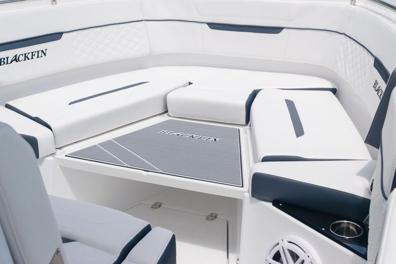Thumbnail 61 for New 2021 Blackfin 272CC boat for sale in West Palm Beach, FL