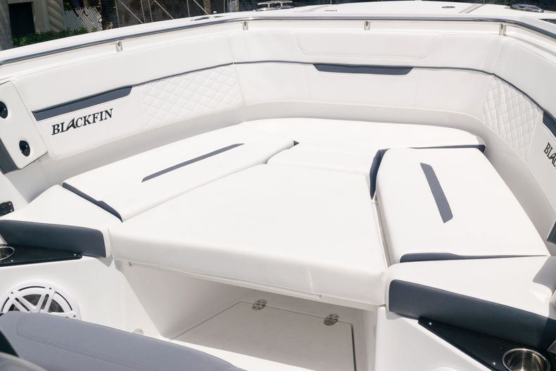 Thumbnail 62 for New 2021 Blackfin 272CC boat for sale in West Palm Beach, FL