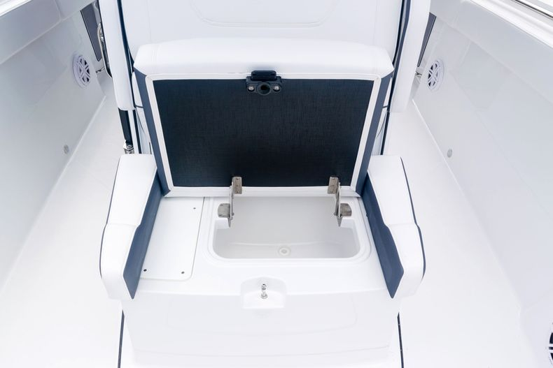 Thumbnail 51 for New 2021 Blackfin 272CC boat for sale in West Palm Beach, FL