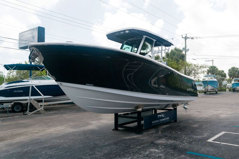 Thumbnail 3 for New 2021 Blackfin 272CC boat for sale in West Palm Beach, FL