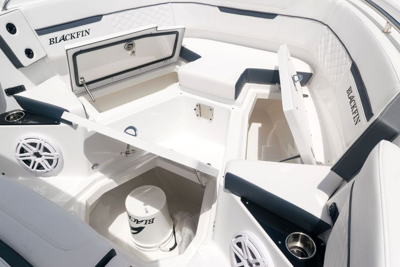Thumbnail 55 for New 2021 Blackfin 272CC boat for sale in West Palm Beach, FL