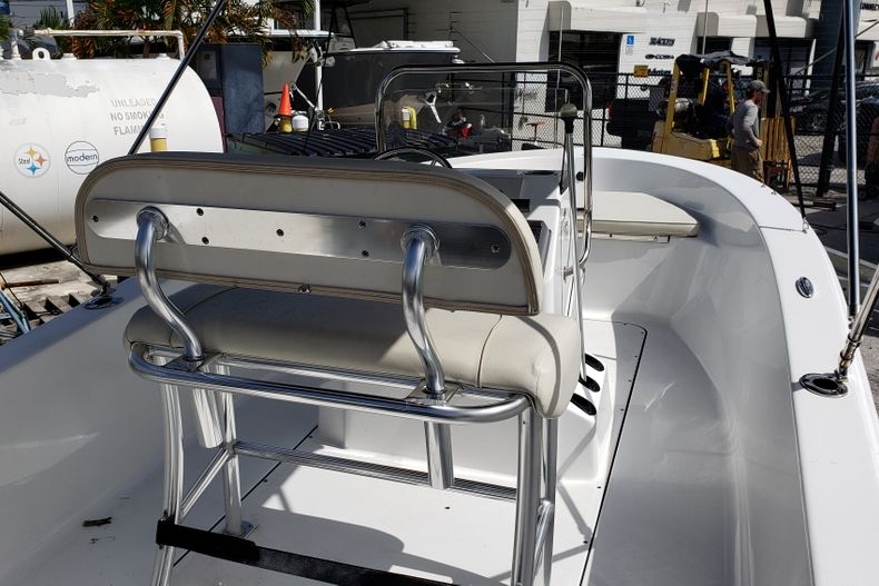 Thumbnail 3 for Used 2017 Sportsman 17 Island Reef boat for sale in Fort Lauderdale, FL