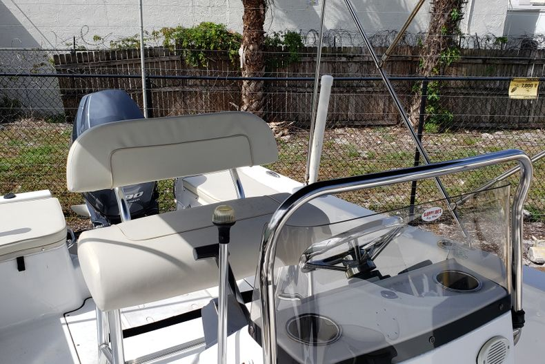 Thumbnail 5 for Used 2017 Sportsman 17 Island Reef boat for sale in Fort Lauderdale, FL