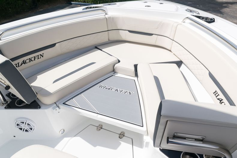 Thumbnail 45 for New 2021 Blackfin 222CC boat for sale in West Palm Beach, FL