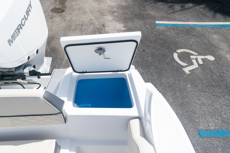 Thumbnail 18 for New 2021 Blackfin 222CC boat for sale in West Palm Beach, FL