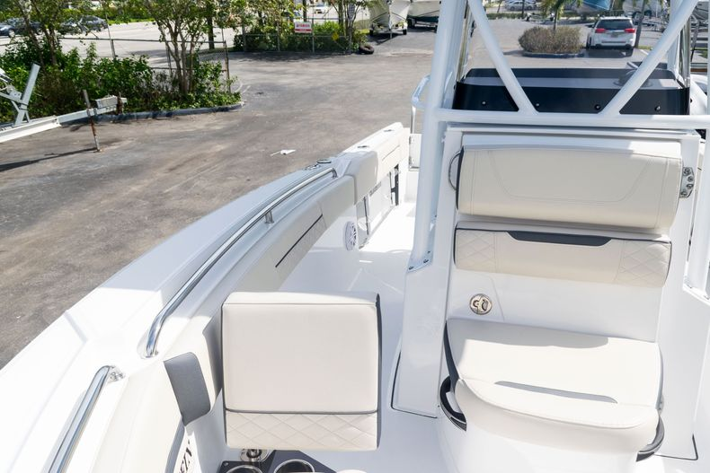 Thumbnail 54 for New 2021 Blackfin 222CC boat for sale in West Palm Beach, FL