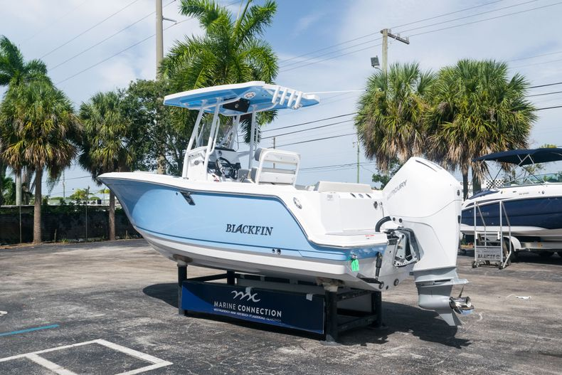 Thumbnail 5 for New 2021 Blackfin 222CC boat for sale in West Palm Beach, FL