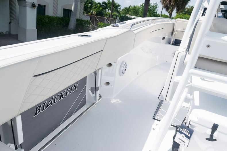 Thumbnail 20 for New 2021 Blackfin 222CC boat for sale in West Palm Beach, FL