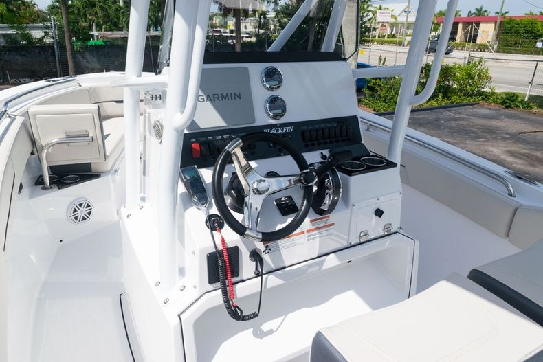 Thumbnail 27 for New 2021 Blackfin 222CC boat for sale in West Palm Beach, FL