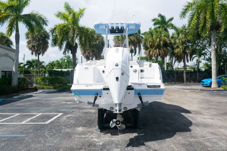 Thumbnail 6 for New 2021 Blackfin 222CC boat for sale in West Palm Beach, FL