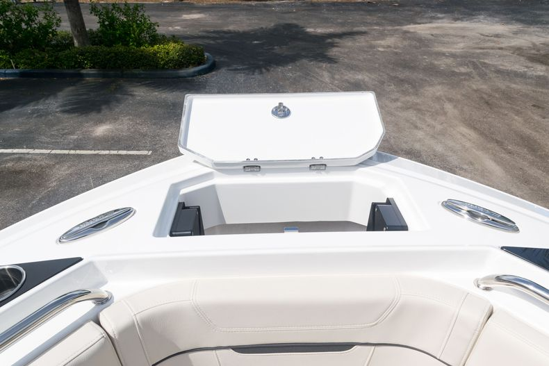 Thumbnail 51 for New 2021 Blackfin 222CC boat for sale in West Palm Beach, FL
