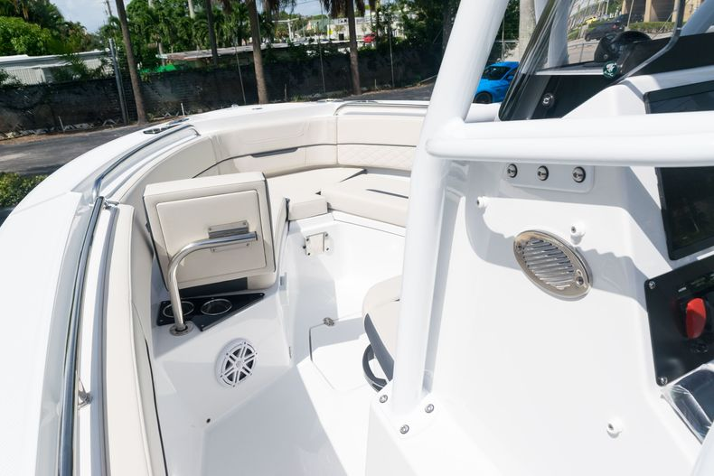 Thumbnail 38 for New 2021 Blackfin 222CC boat for sale in West Palm Beach, FL