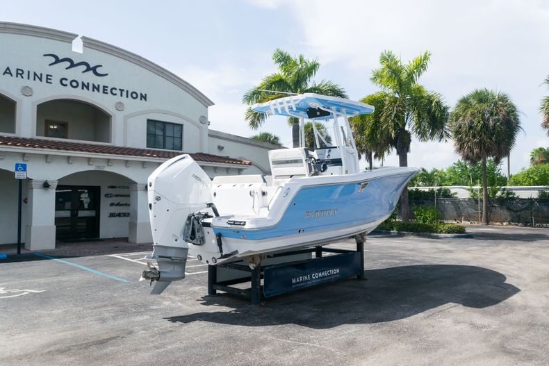 Thumbnail 7 for New 2021 Blackfin 222CC boat for sale in West Palm Beach, FL