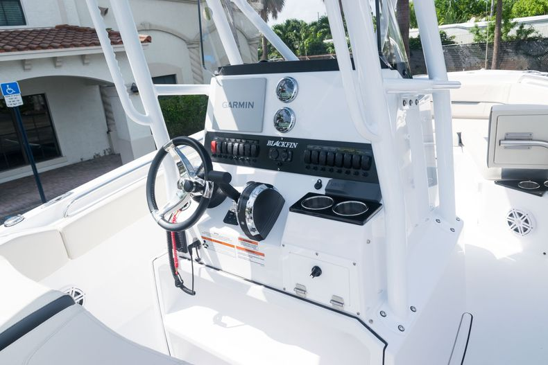 Thumbnail 28 for New 2021 Blackfin 222CC boat for sale in West Palm Beach, FL