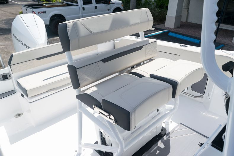 Thumbnail 24 for New 2021 Blackfin 222CC boat for sale in West Palm Beach, FL