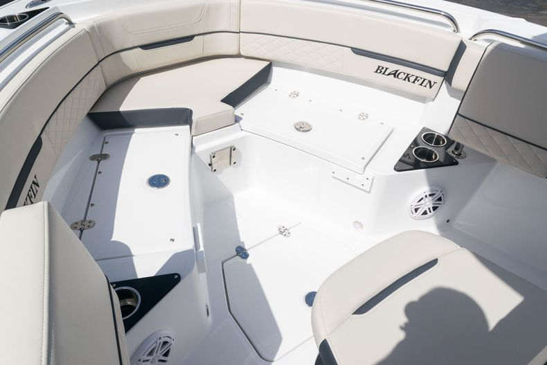 Thumbnail 47 for New 2021 Blackfin 222CC boat for sale in West Palm Beach, FL