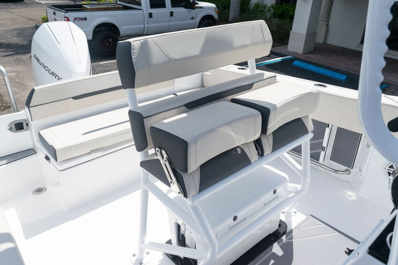 Thumbnail 23 for New 2021 Blackfin 222CC boat for sale in West Palm Beach, FL