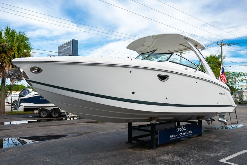 Thumbnail 4 for Used 2019 Cobalt 30SC boat for sale in West Palm Beach, FL