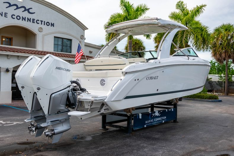 Thumbnail 10 for Used 2019 Cobalt 30SC boat for sale in West Palm Beach, FL