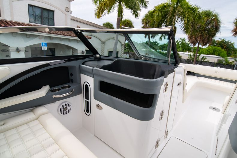 Thumbnail 40 for Used 2019 Cobalt 30SC boat for sale in West Palm Beach, FL
