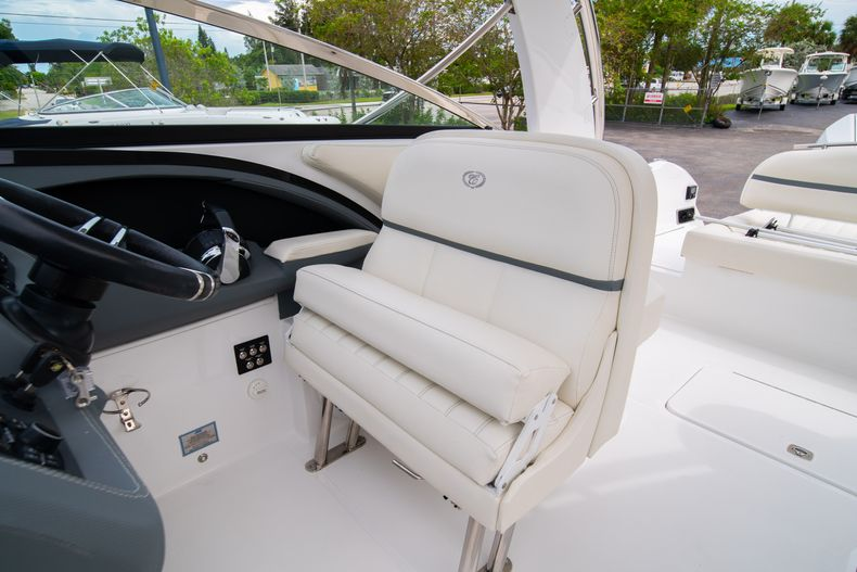 Thumbnail 43 for Used 2019 Cobalt 30SC boat for sale in West Palm Beach, FL