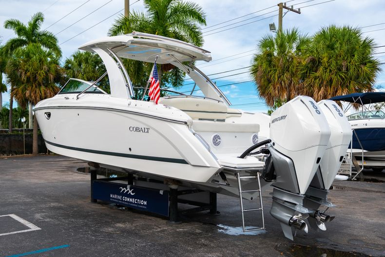Thumbnail 7 for Used 2019 Cobalt 30SC boat for sale in West Palm Beach, FL