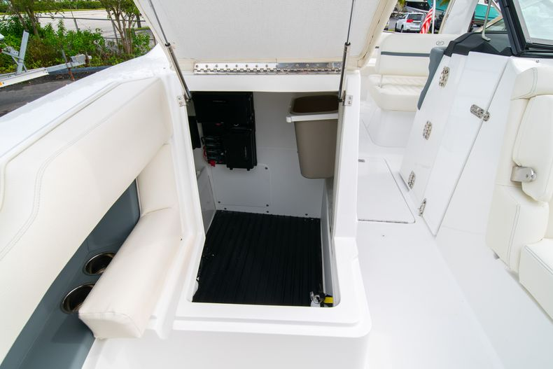 Thumbnail 57 for Used 2019 Cobalt 30SC boat for sale in West Palm Beach, FL