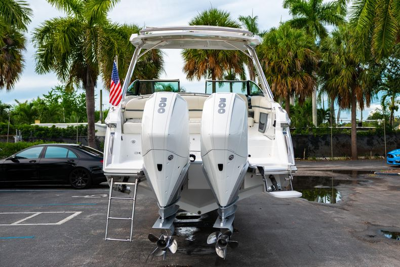 Thumbnail 9 for Used 2019 Cobalt 30SC boat for sale in West Palm Beach, FL