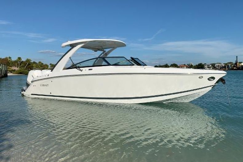 Thumbnail 13 for Used 2019 Cobalt 30SC boat for sale in West Palm Beach, FL