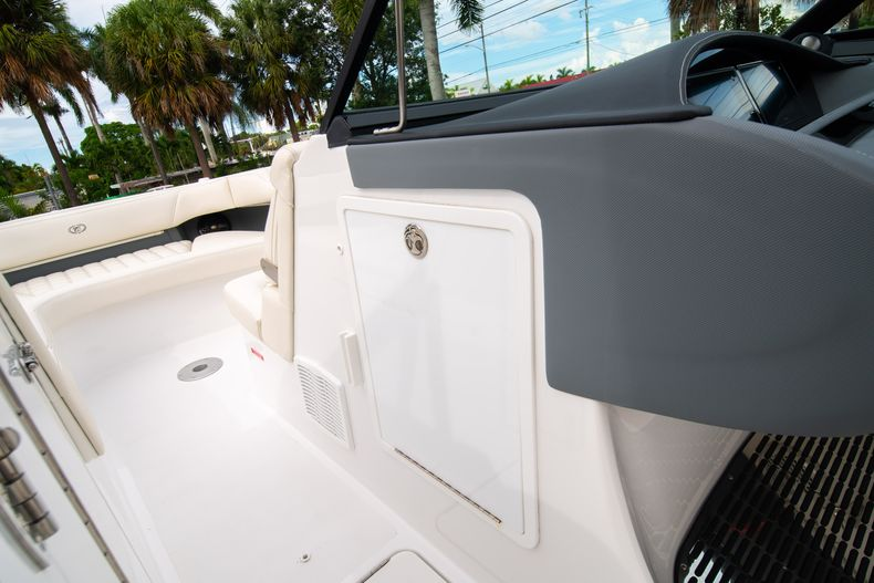 Thumbnail 49 for Used 2019 Cobalt 30SC boat for sale in West Palm Beach, FL