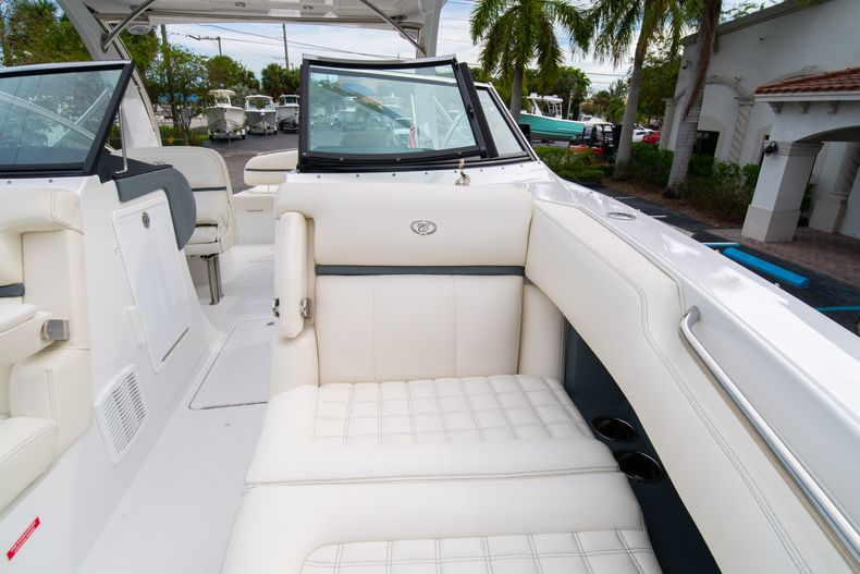 Thumbnail 59 for Used 2019 Cobalt 30SC boat for sale in West Palm Beach, FL