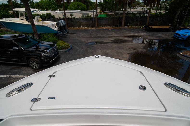 Thumbnail 64 for New 2021 Blackfin 332CC boat for sale in Fort Lauderdale, FL