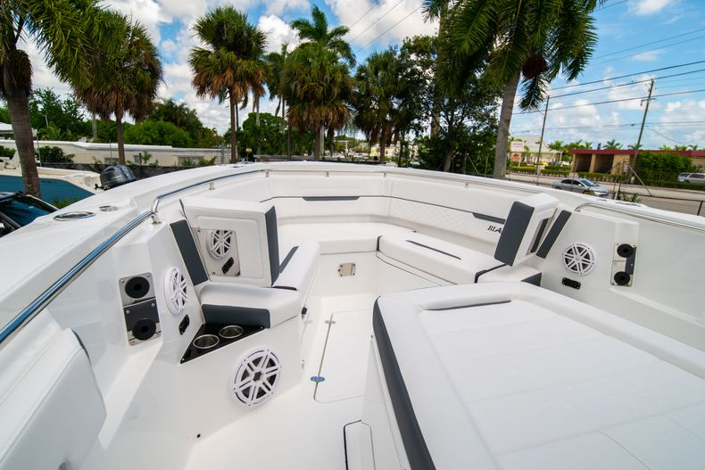 Thumbnail 60 for New 2021 Blackfin 332CC boat for sale in Fort Lauderdale, FL