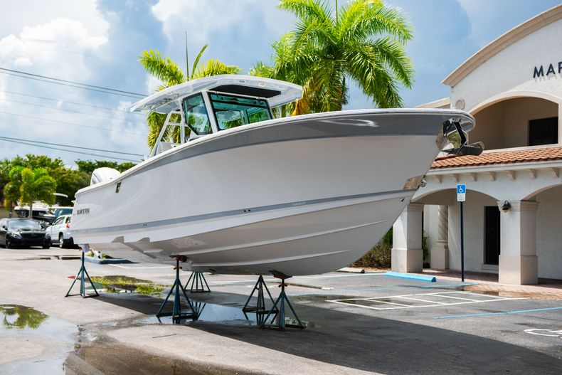 Thumbnail 1 for New 2021 Blackfin 332CC boat for sale in Fort Lauderdale, FL