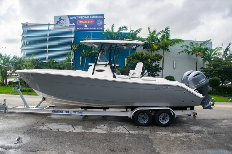 Thumbnail 4 for Used 2019 Cobia 261 CC boat for sale in Miami, FL