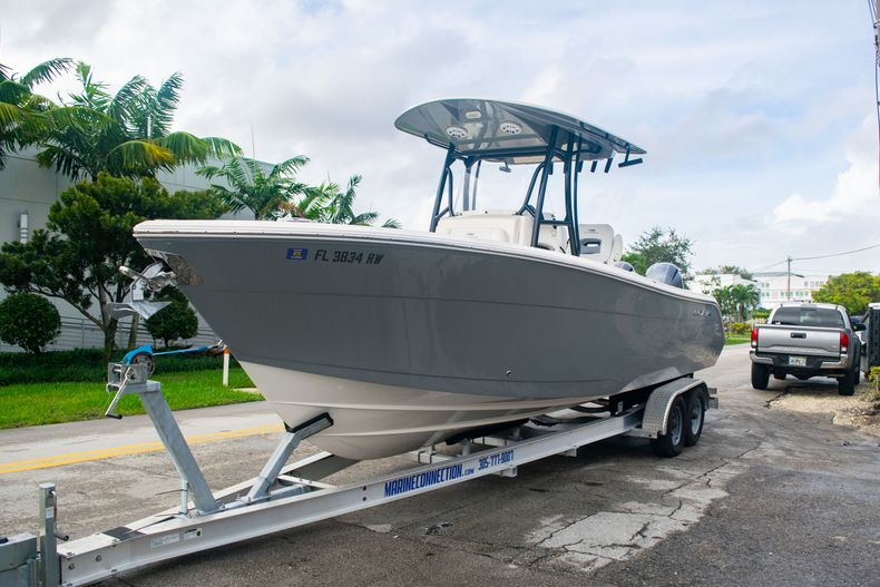 Thumbnail 3 for Used 2019 Cobia 261 CC boat for sale in Miami, FL