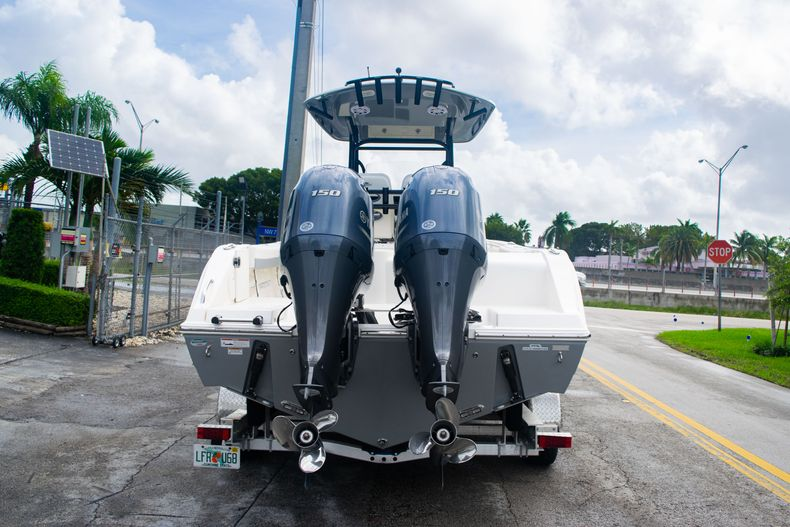 Thumbnail 6 for Used 2019 Cobia 261 CC boat for sale in Miami, FL