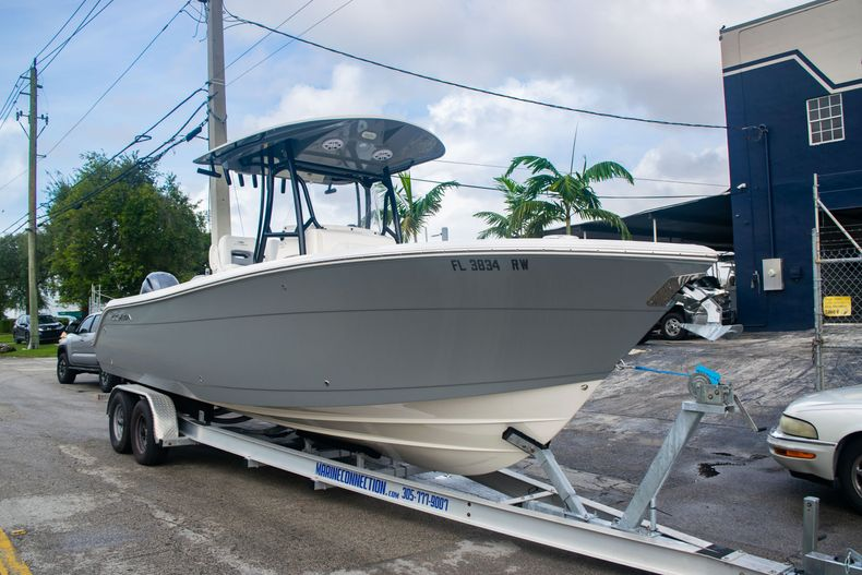 Thumbnail 1 for Used 2019 Cobia 261 CC boat for sale in Miami, FL