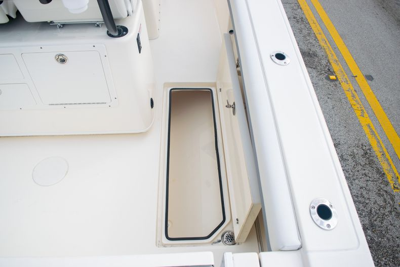Thumbnail 15 for Used 2019 Cobia 261 CC boat for sale in Miami, FL