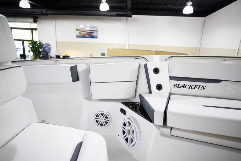 Thumbnail 36 for New 2021 Blackfin 252CC boat for sale in West Palm Beach, FL