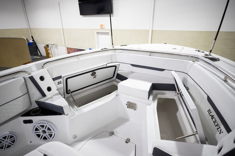 Thumbnail 32 for New 2021 Blackfin 252CC boat for sale in West Palm Beach, FL